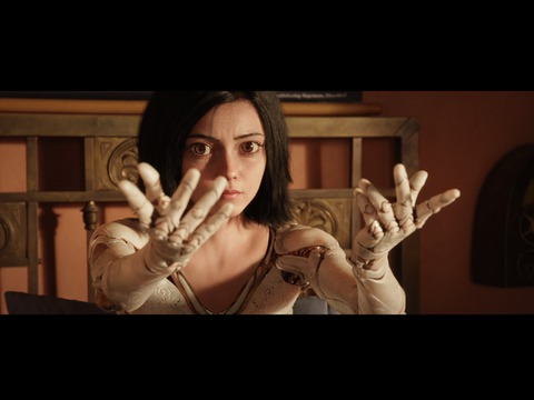 Trailer for Alita: Battle Angel